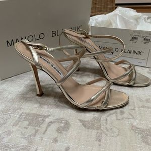 Manolo Blahnik Bayan Strappy Metallic Sandals